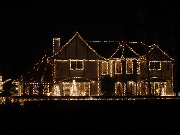 holiday lighting on corona ca home
