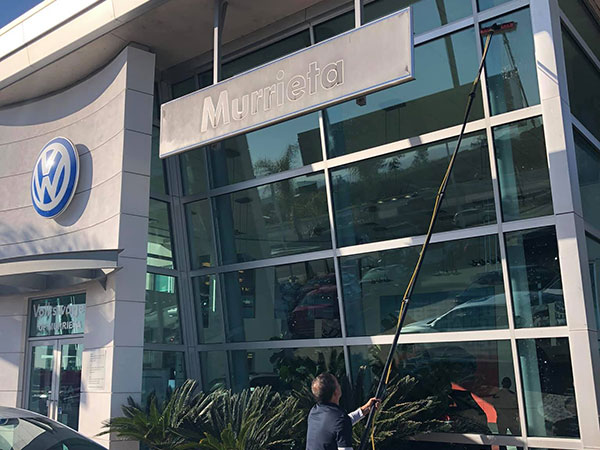 commercial window cleaning in corona