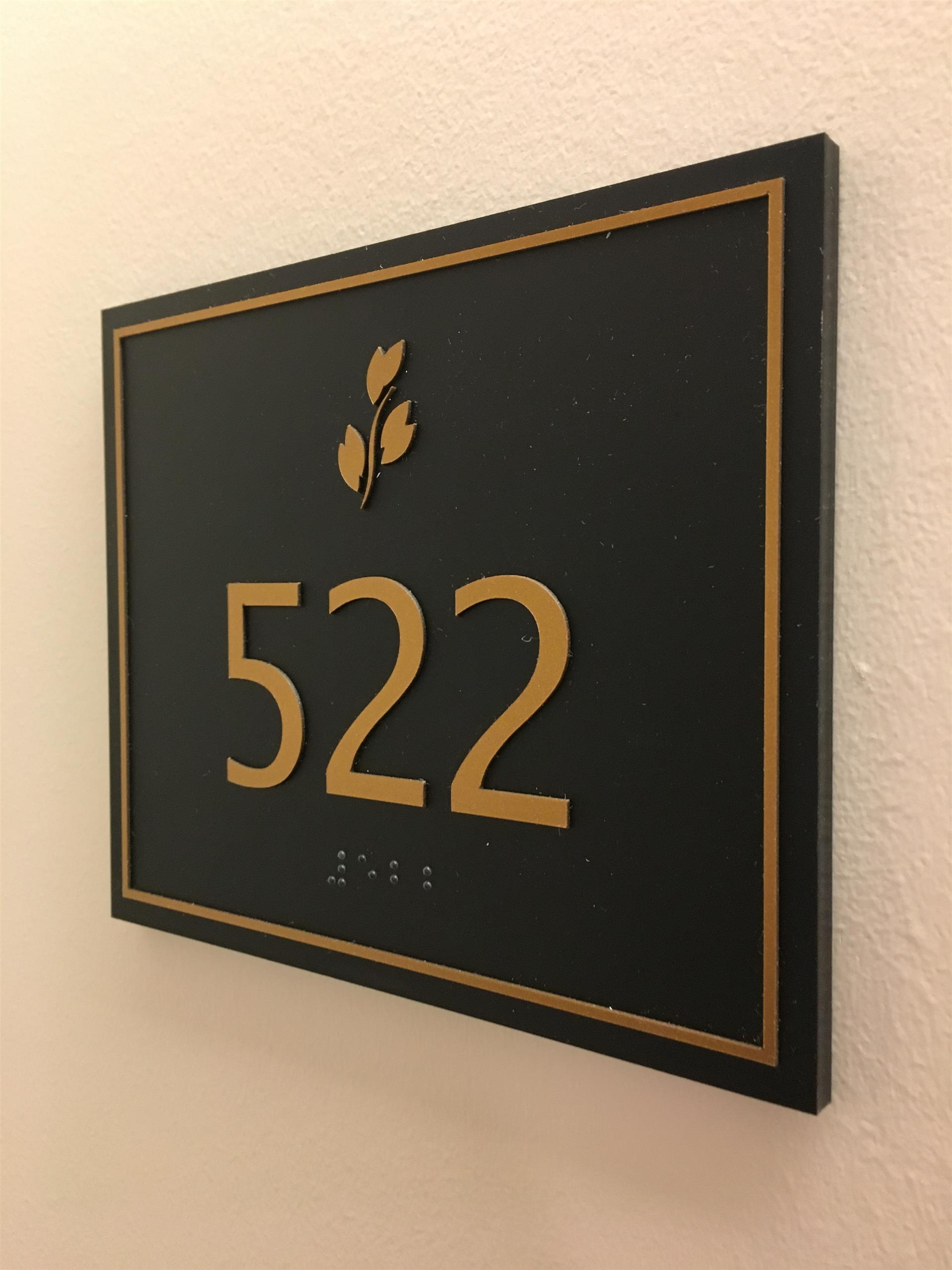 522 Business Room Sign