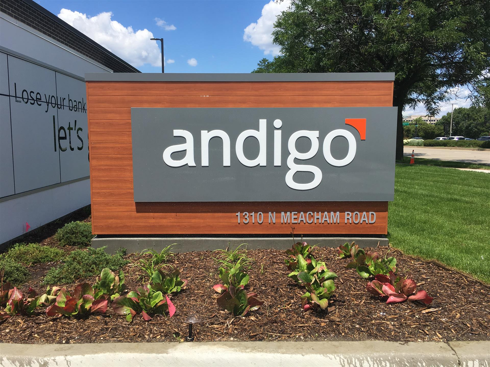 Andigo Monument Sign