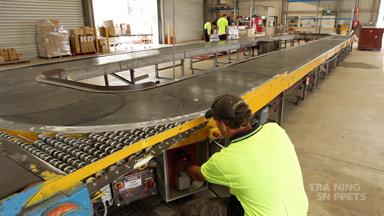 Warehouse: Conveyor Belt Safety
