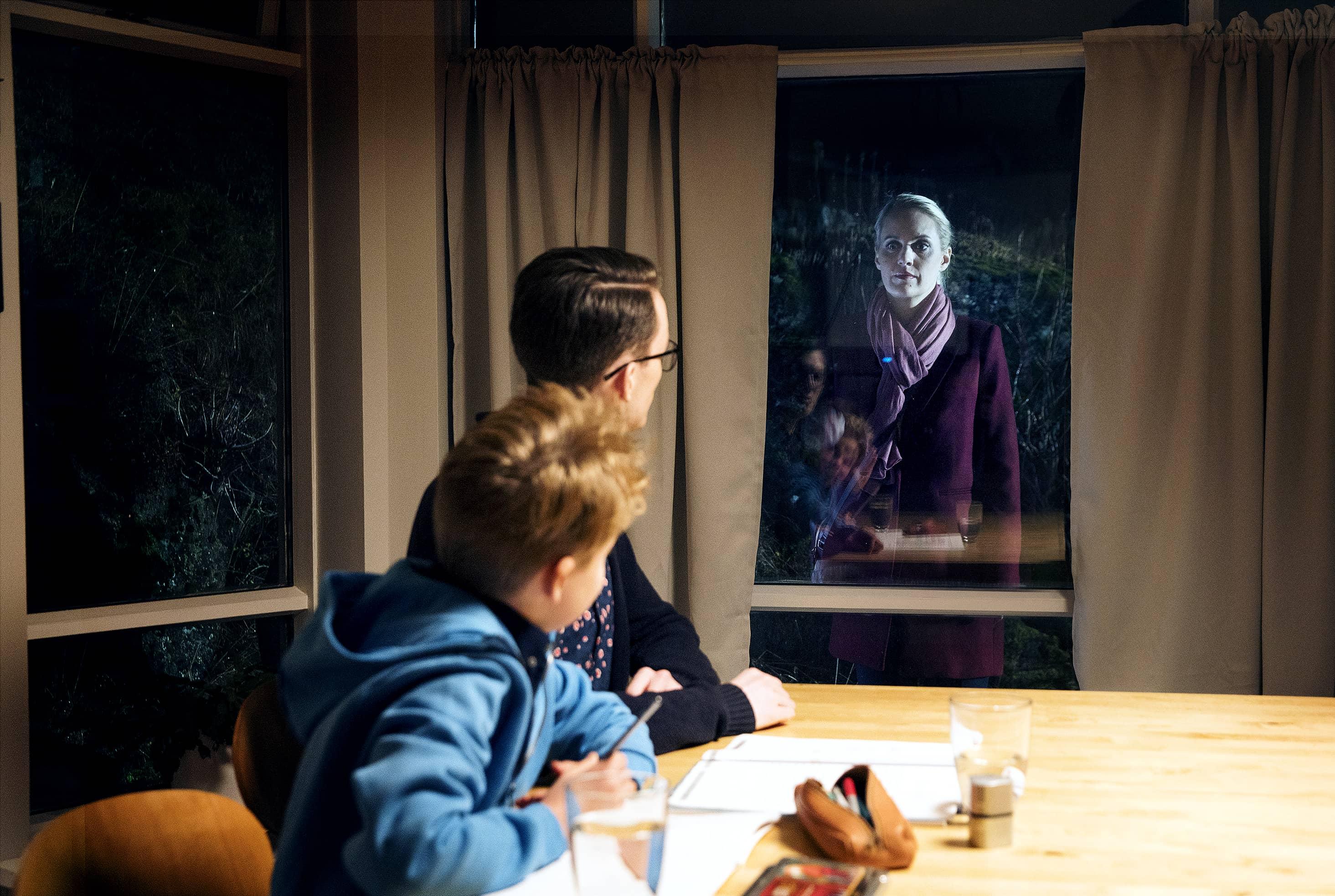 Er brjálað að gera? Heimsækir kollega seint á kvöldin