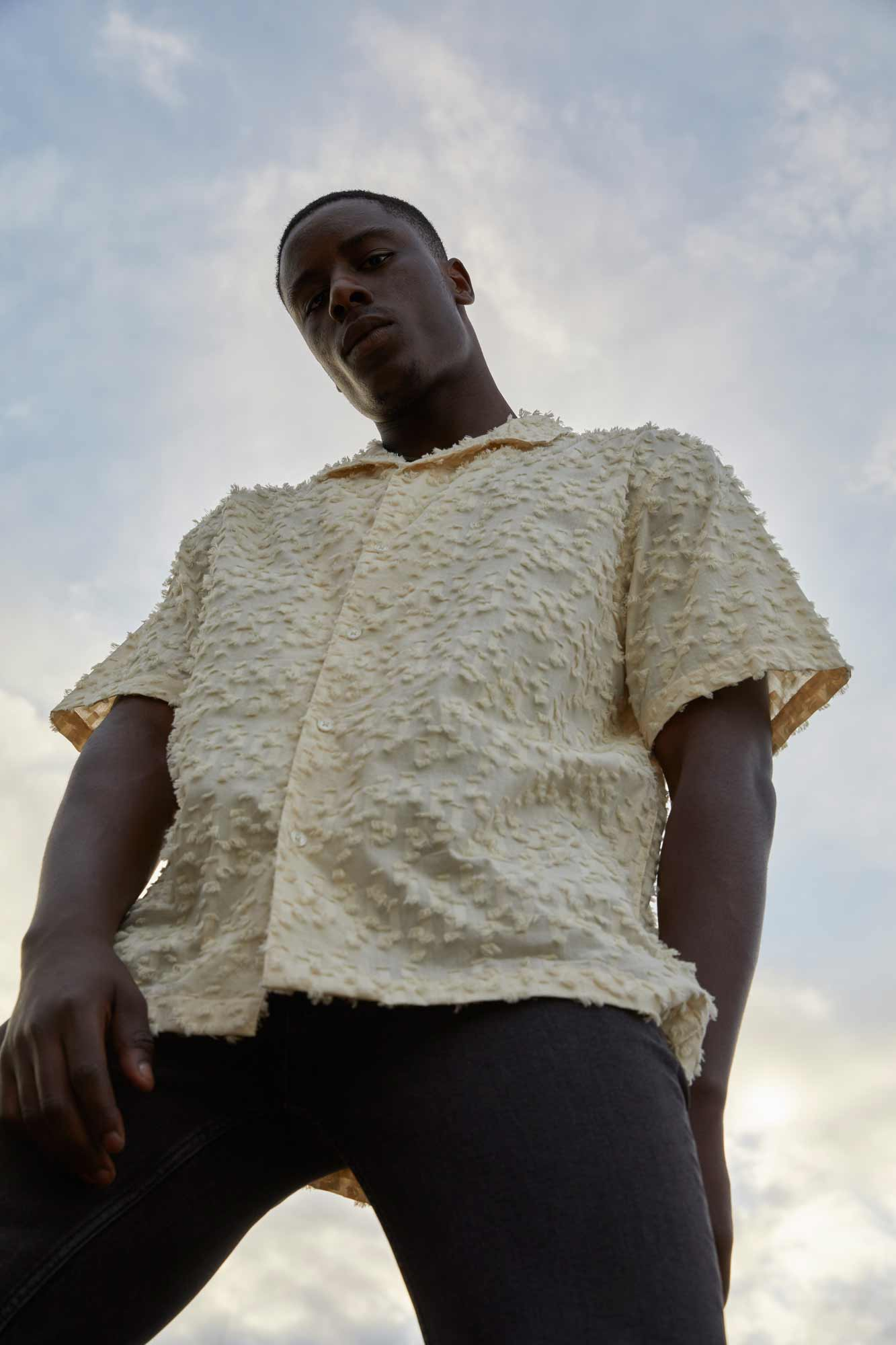 META: Nachhaltiges Kurzarmhemd für Männer und Frauen von ThokkThokk