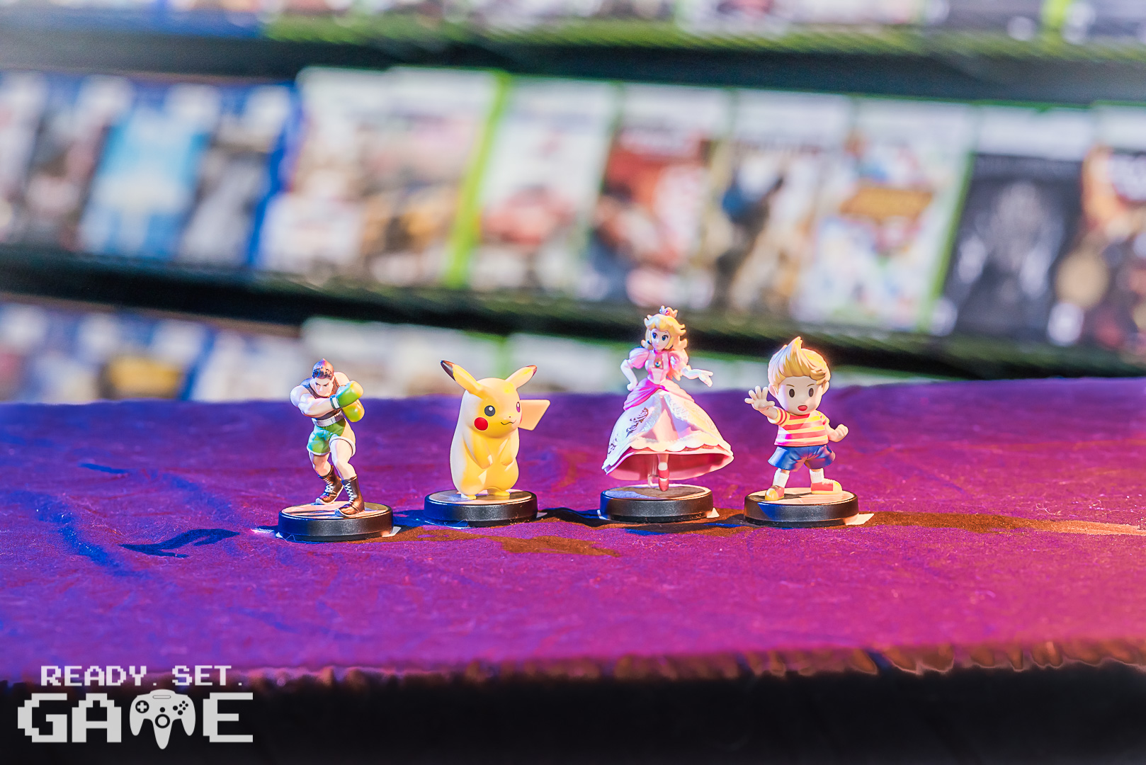 Ready set game toy figurines.