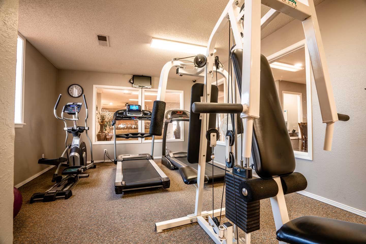 Enterprise Square Apartments Gym Picture