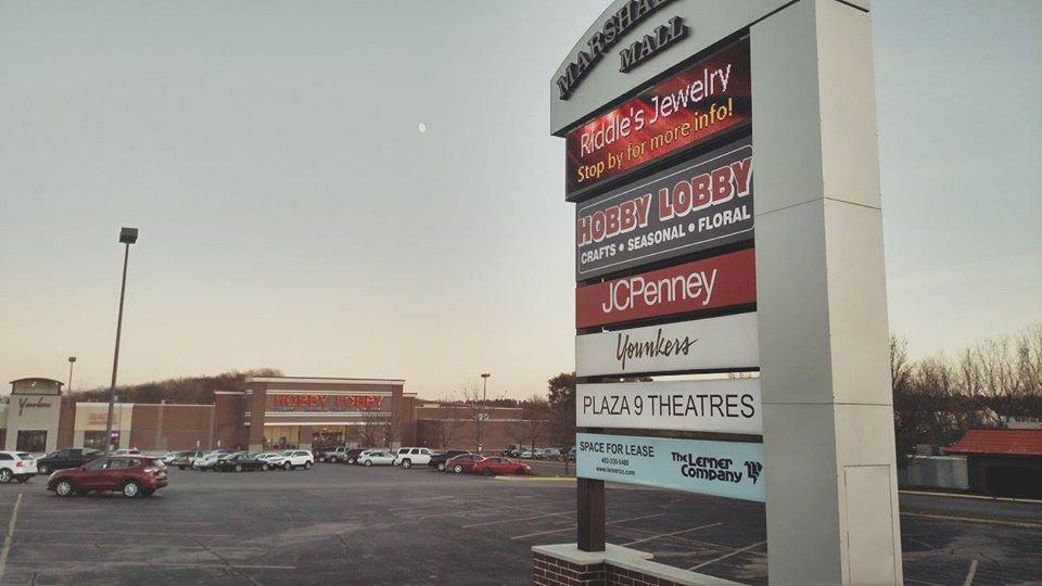 Photo of Marshalltown Mall Sign