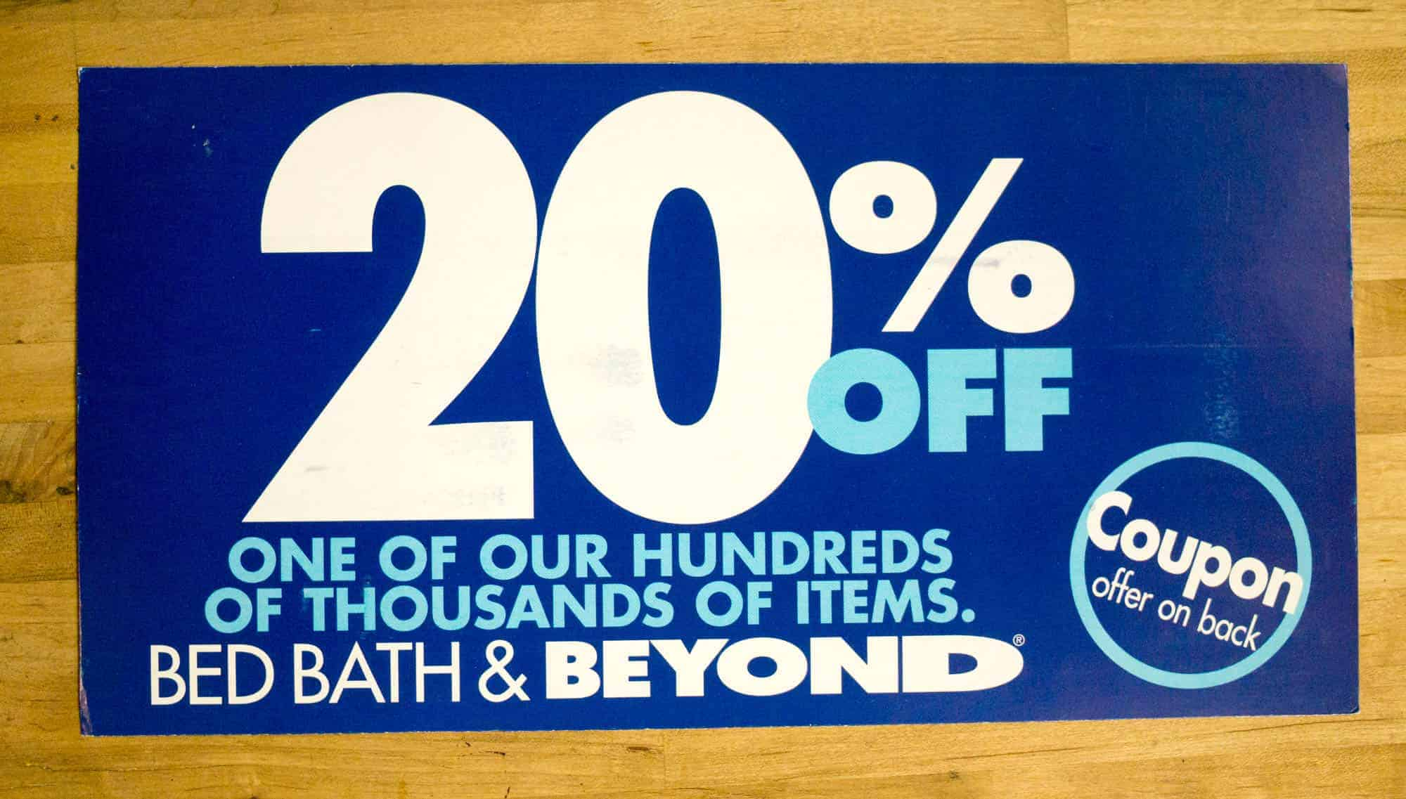Picture of the front side of a Bed Bath & Beyond 20% postcard.