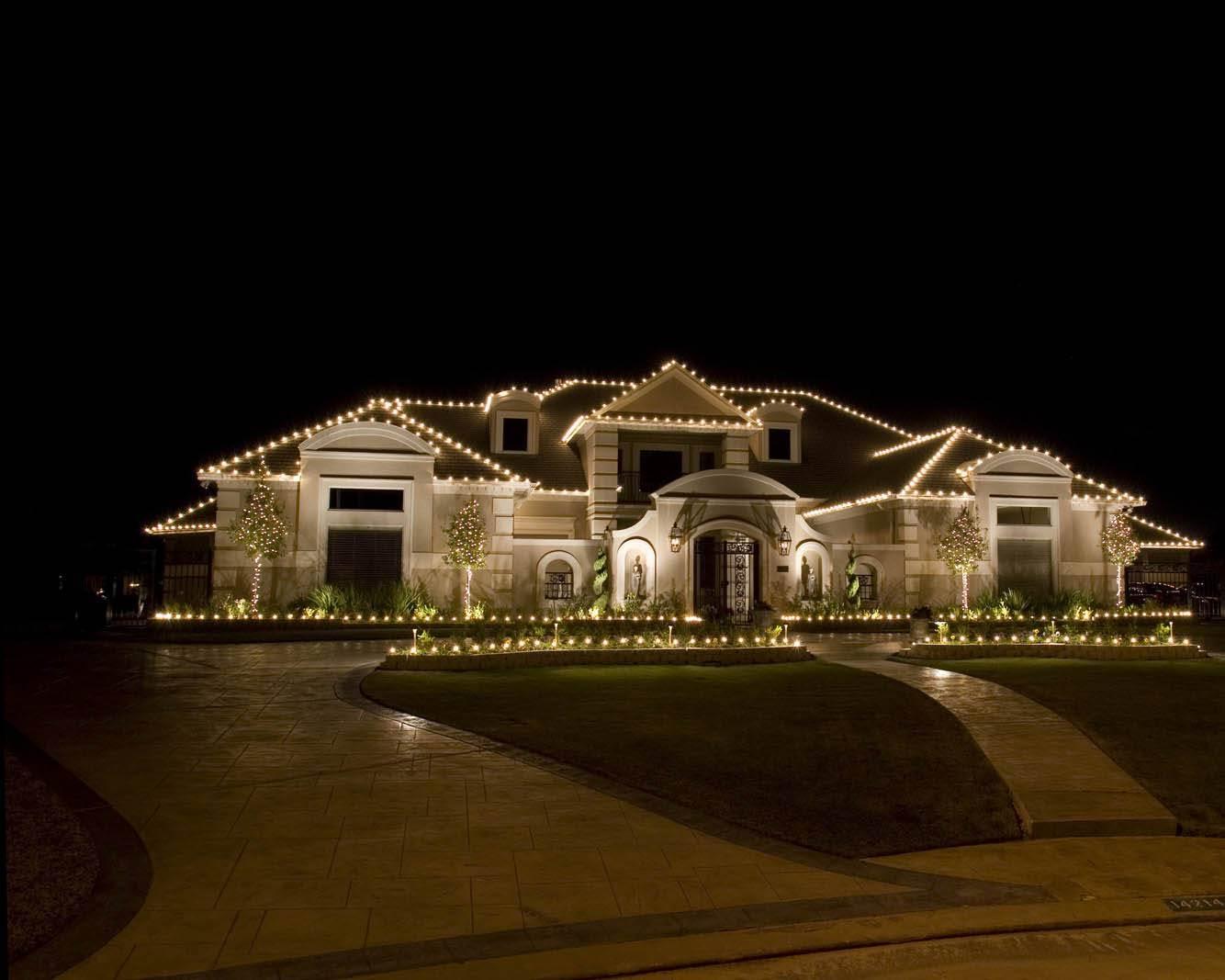 Christmas light installation in New Braunfels, TX