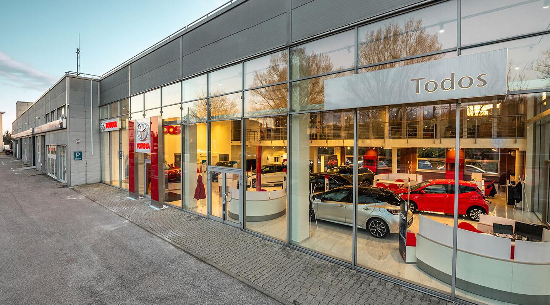 Todos Toyota - showroom Bratislava exteriér