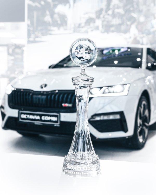 Auto roka 2021 - nová ŠKODA OCTAVIA
