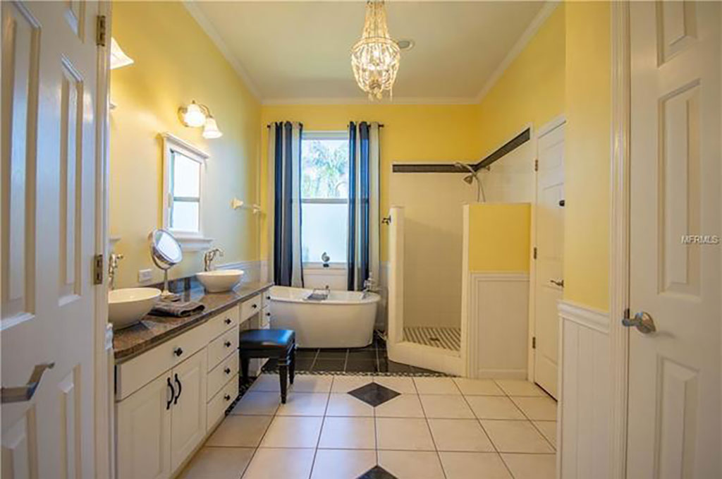 bathroom cleaning in deland