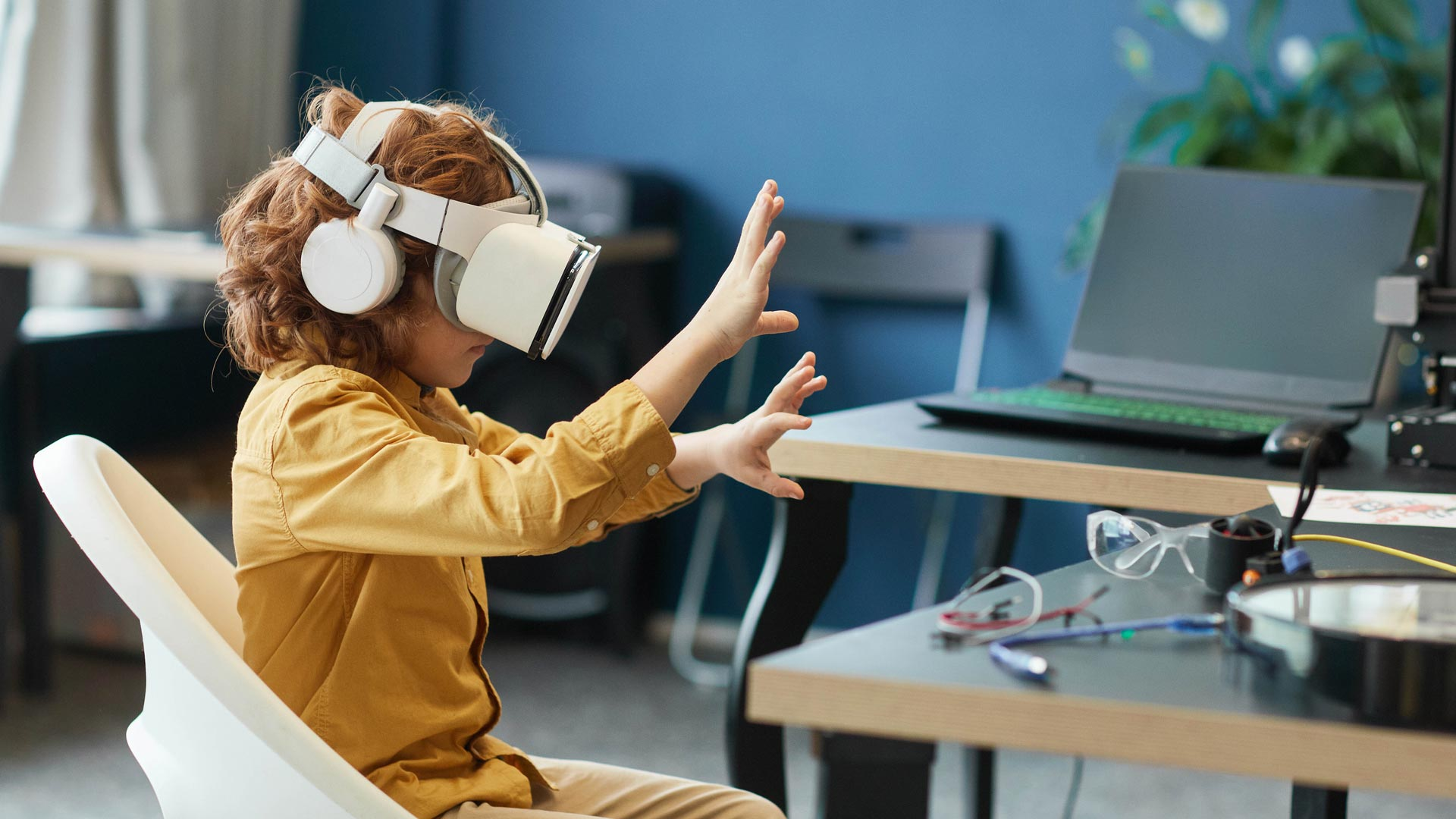 See how extended reality is transforming the education sector for the better