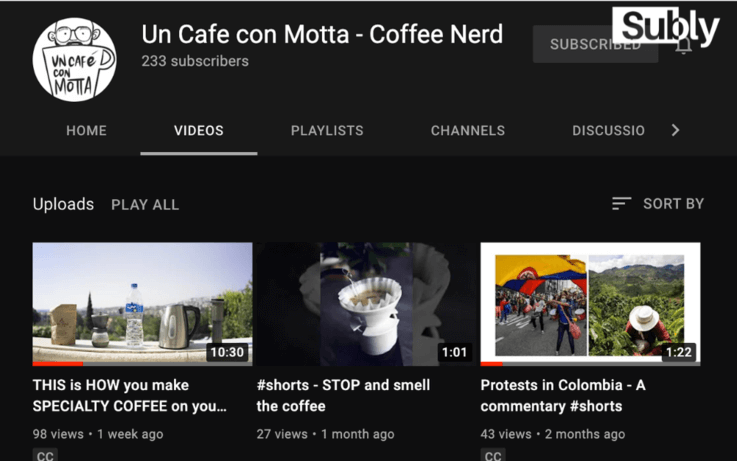 screenshot of Un Cafe con Motta youtube channel with videos showing