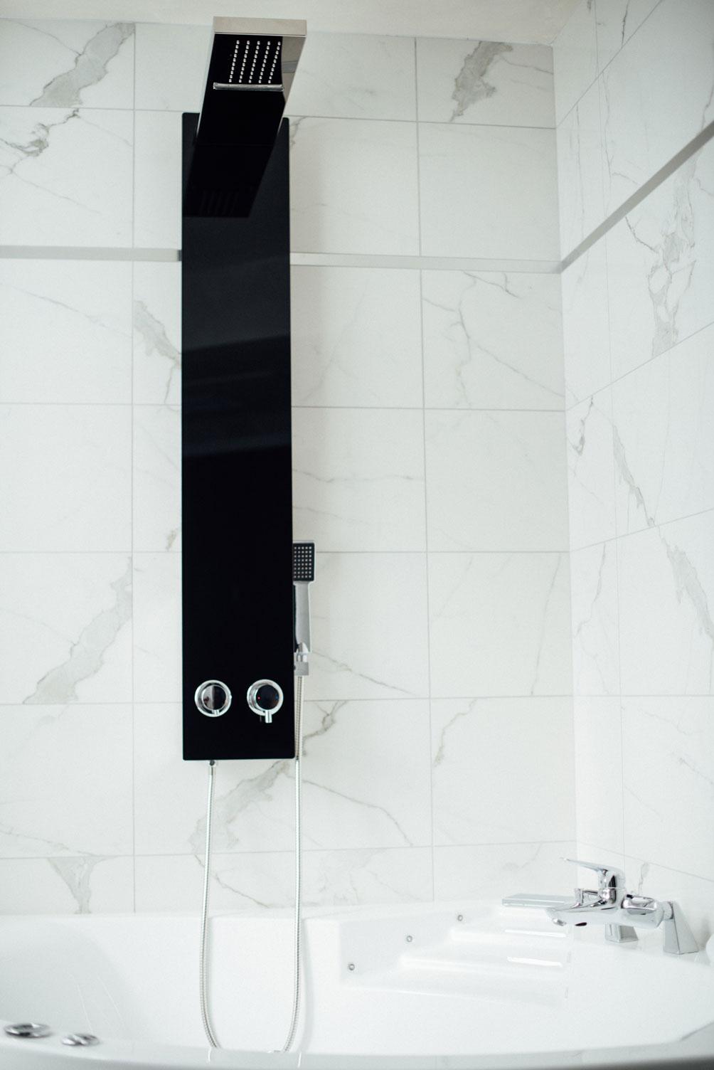 Suite Balnéo baignoire douche balnéothérapie | Amirauté Hôtel La Baule