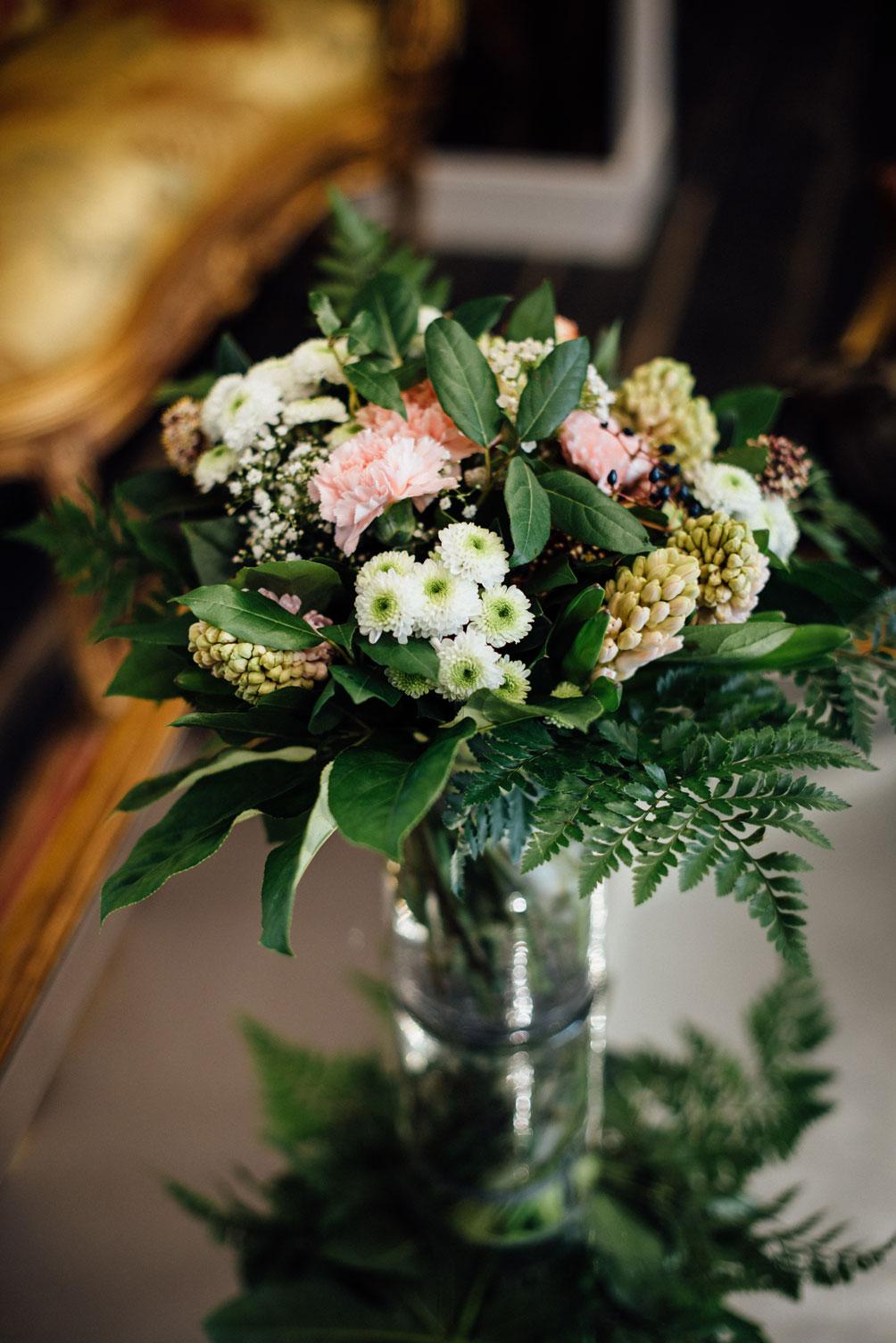 Vase, fleurs, salle commune, accueil | Amirauté Hôtel La Baule