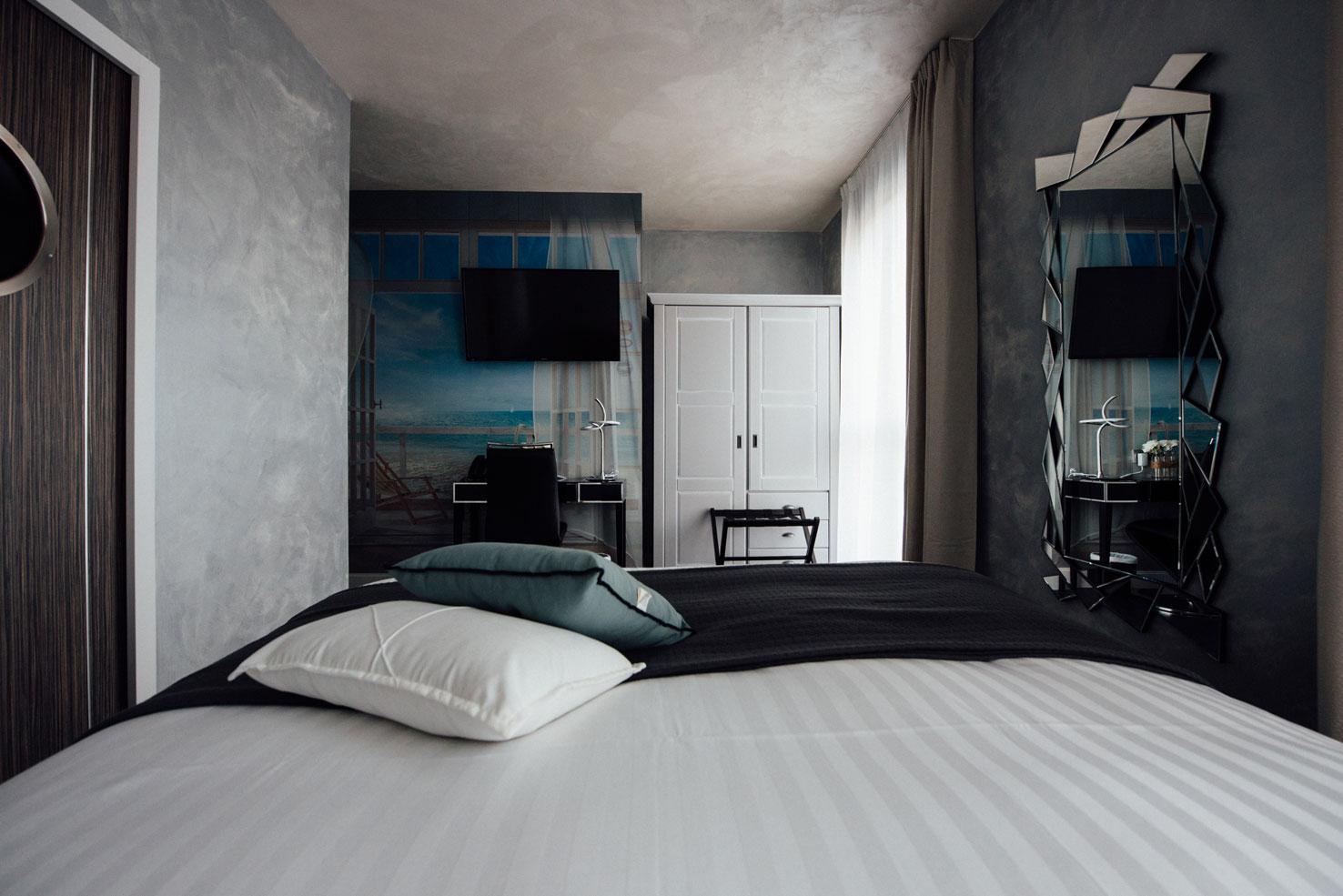 Chambre standard lit éléctrique | Amirauté Hôtel La Baule
