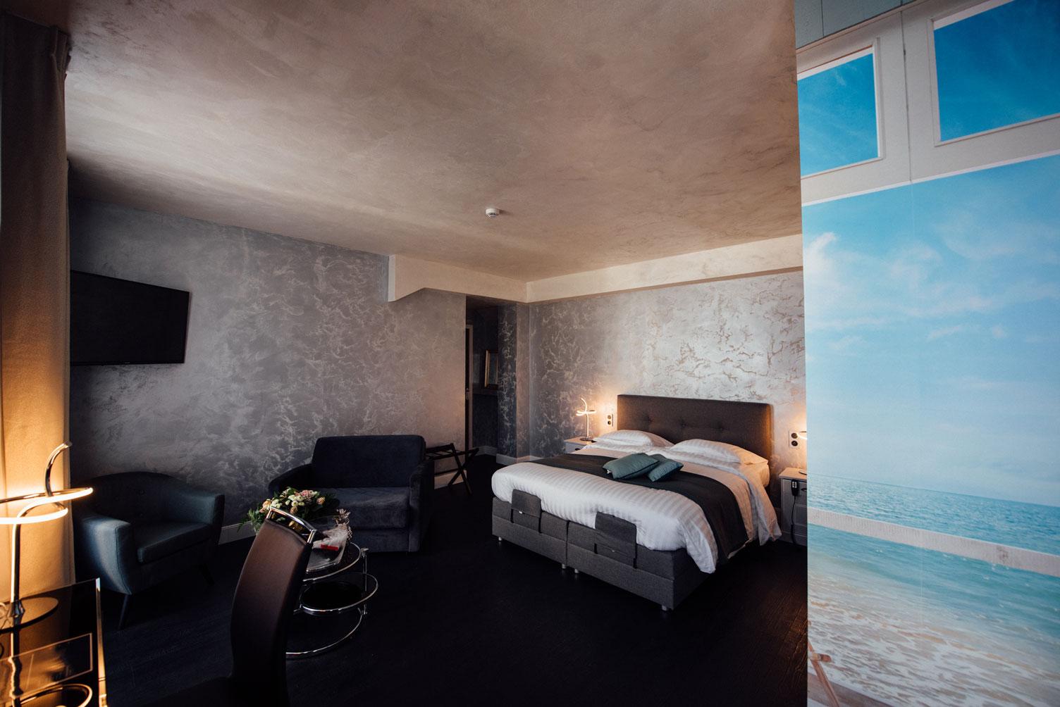 Suite Balnéo lit éléctrique 2 places télévision | Amirauté Hôtel La Baule