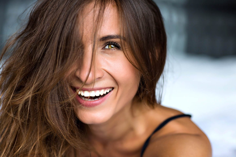 Choosing a Dental Implant Dentist: Things to Consider