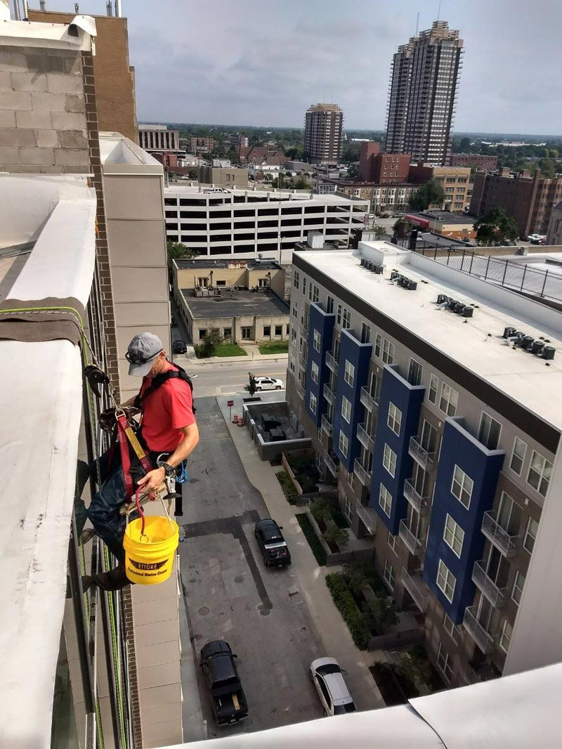 High rise window cleaning in Indianapolis, FL