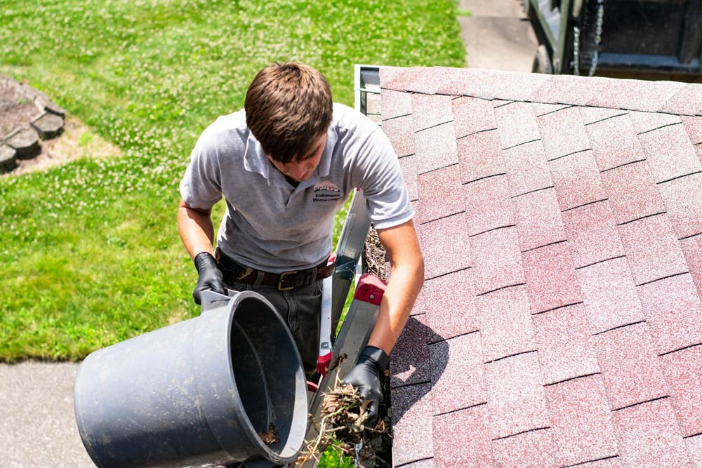 Gutter cleaning in Louisville, OH