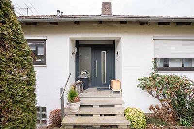 Zweifamilienhaus mit 2 separaten Wohnungen in Baunatal-Altenritte