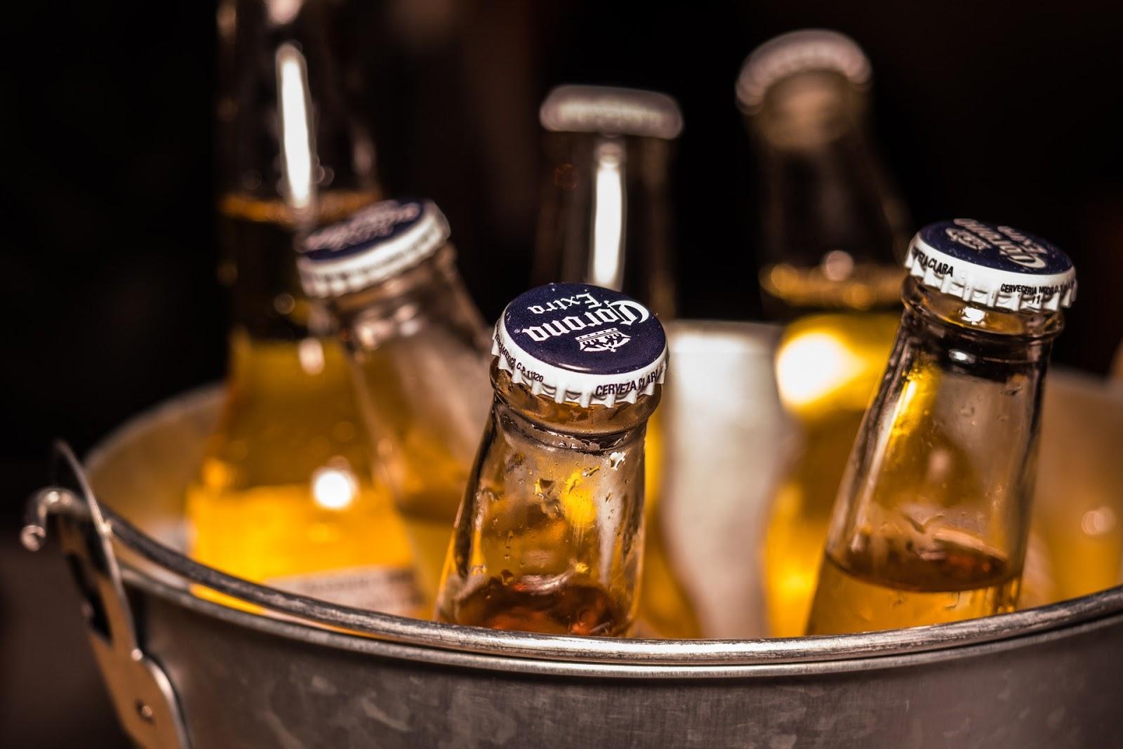 can of corona beer