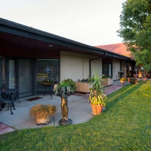 Independent Living Dodge City Manor of the Plains Residence
