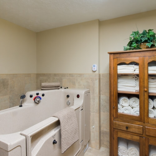Assisted living Dodge City Manor of the Plains Spa