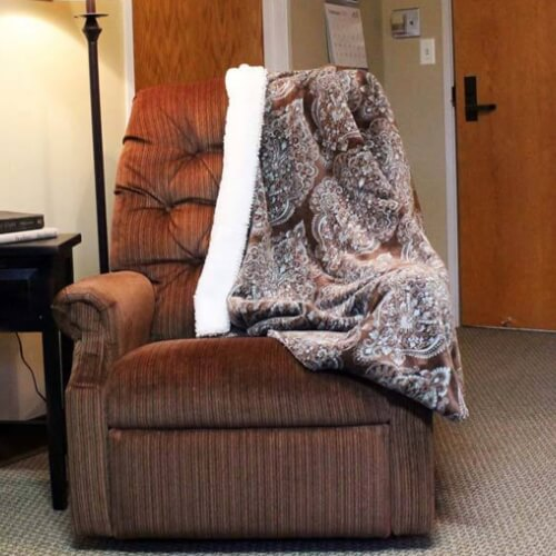 Assisted living Dodge City Manor of the Plains Comfy Chair