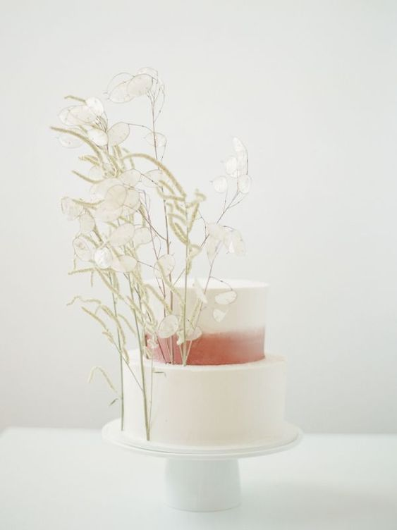 © photo: Simply Splendid / Fleurs: Foraged Floral / Gâteau: Dream Cakes PDX
