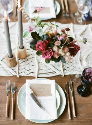 © photo: Sylvie Gil Photography / Planification: Shannon Leahy Events / Design floral: Shotgun Floral Studio / Papeterie: Tiny Pine Press
