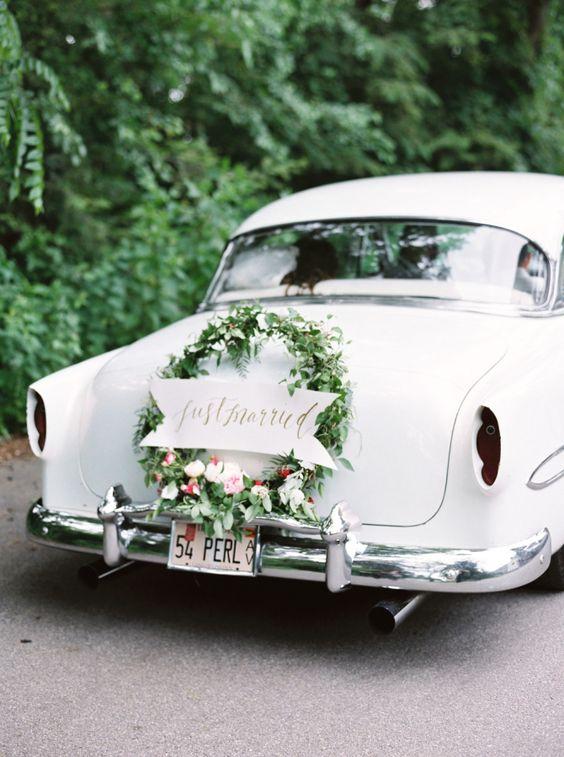 © photo: Lauren Balingit / Design floral: Kelly Lenard / Calligraphie: Rebeca Lynn Calligraphy
