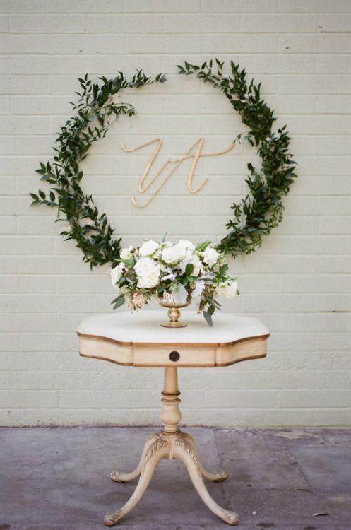 © photo: Erin J Saldana Photography / Stylisme et décor vintage: Etablir / Fleuriste: The Flower Lab