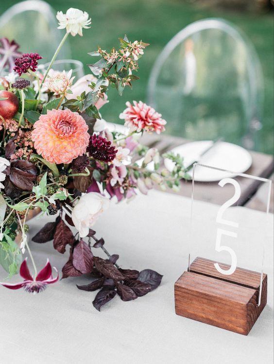 © photo: Kate Holstein / Design: Joy Thigpen / Fleurs: Studio Mondine
