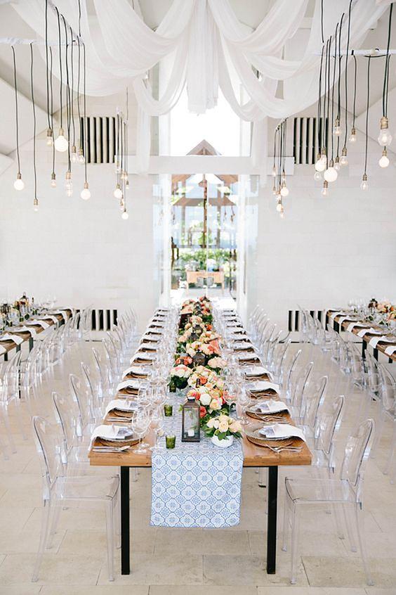 © photo: Angga Permana Photo / Planification: Flying Bride / Décor et éclairage: AiLuoSi Wedding & Event Design Studio