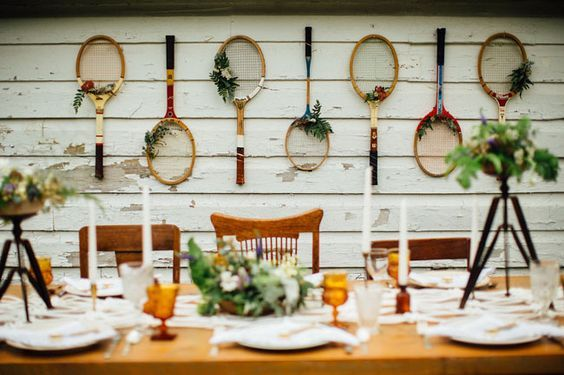 © photo: Laura Harris Photography / Lieu: The Kirk Estate / Design et planification: Mary Elise Rees / Fleurs: Flower Scout / Locations: North Country Vintage Rentals