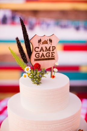 © photo: Acqua Photo / Design et coordination: Amorology Weddings / Gâteau: SusieCakes