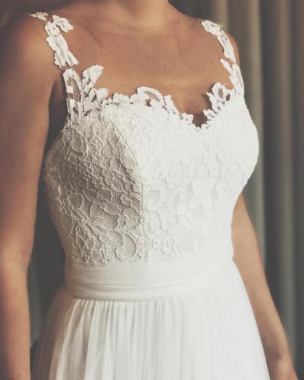© photo: Le White Closet / Robe: Le papillon, by Modeoa