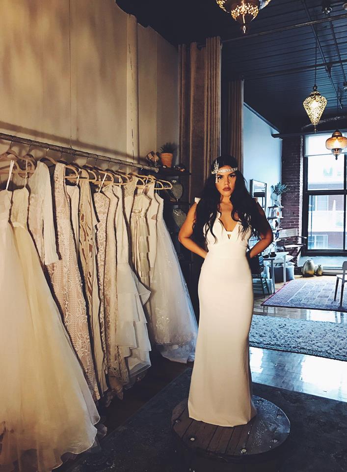 © photo: Le White Closet / Robe: Ina
