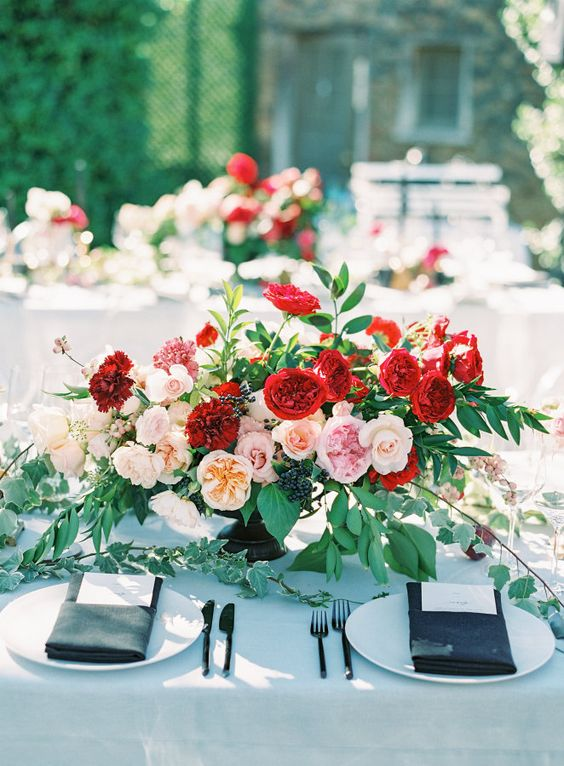 © photo: Kristina Adams Photography / Planification: Esoteric Weddings / Design floral: Honey and Poppies