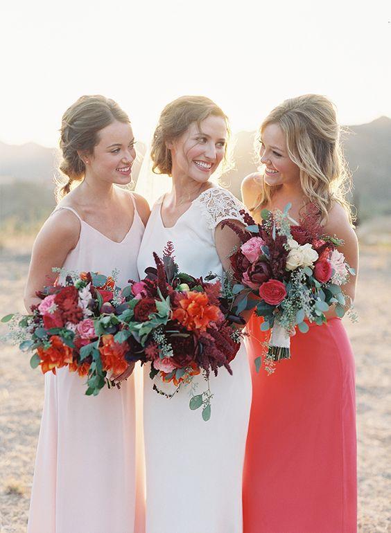 © photo: Caroline Tran / Fleurs: The Hidden Garden / Robe de la mariée: Love & Lace Bridal Salon / Robes des demoiselles: Joanna August / Coiffure et maquillage: Fiore Beauty