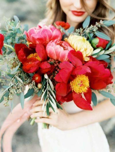 bouquet rouge pour la mariée