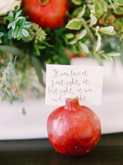 © photo: Milton Photography / Planification et design: JoyFoley Weddings / Papeterie: Pink Umbrella Designs / Fleurs: Fleurish Flower Shop