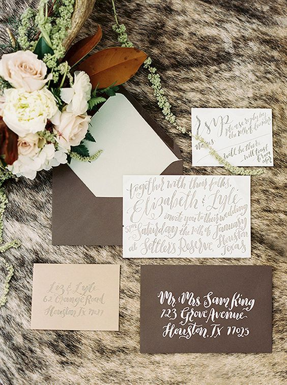© photo: Alicia Pyne / Invitations: Nib & Pixel / Fleurs: Maxit Flower Design / Stylisme: Lots of Lovely