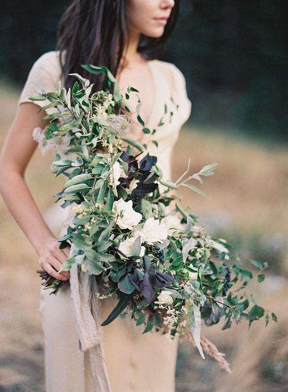 © photo: Joey Kennedy /Design et Fleurs: Amber Reverie / Robe: Gossamer