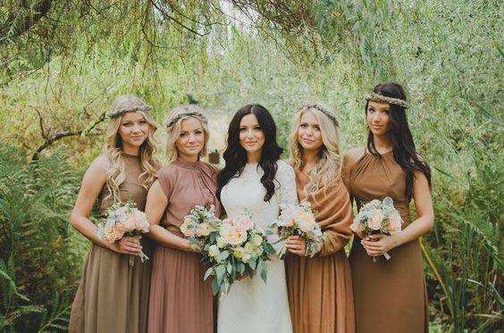 © photo: Manchik Photography / Robe de mariée: Watters