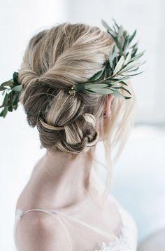 ©photo et stylisme: Hannah Forsberg / Coiffure: Emily Peterson / Verdure: Harts & Petals