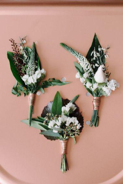 © photo: Sarah Street Photography / Boutonnières: Taffy Floral