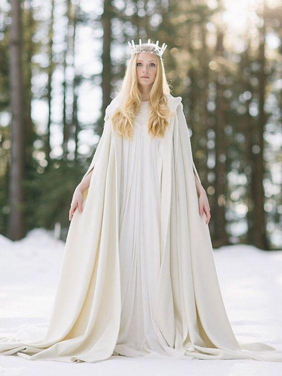 © photo: FORMA Photography / Robe et cape: Elfenkleid