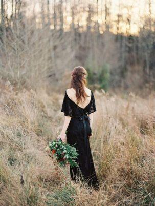 © photo: Laura Gordon Photography / Robe: Gossamer Vintage